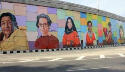 بھارتی دیواروں پر ملالہ کی تصویر چسپاں