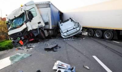لیبیا میں مہاجرین کے ٹرک کو حادثہ، 19 افراد ہلاک،100 سے زائد زخمی