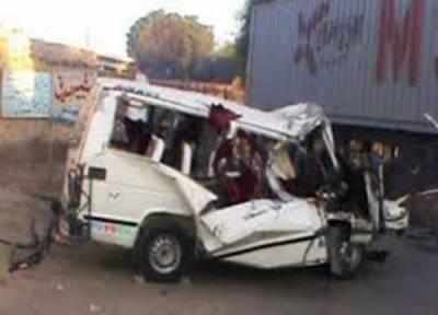 راجن پور :ٹرالراور کیری ڈبہ میں تصادم، خاتون اور بچے سمیت 4افرادجاں بحق،6زخمی