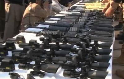 بلوچستان میں ایف سی کی کارروائیاں،بھاری اسلحہ اوربارودی مواد برآمد کر لیاگیا،آئی ایس پی آر