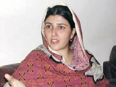 ابھی عوام آپ کوجوتے ماررہے ہیں ,اپنی ذات کے تحفظ کوجمہوریت کا نام نہ دیں:عائشہ گلالئی