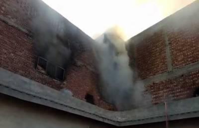 لاہور:جوتے بنانے والی فیکٹری میں آتشزدگی، 5 مزدور جھلس کر زخمی