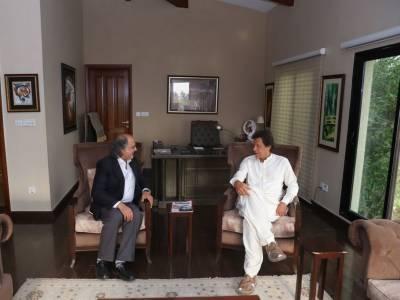 نوازشریف نے اپنے کاروباری مفادات کو کشمیر اور قومی مفاد پر ترجیح دی:عمران خان