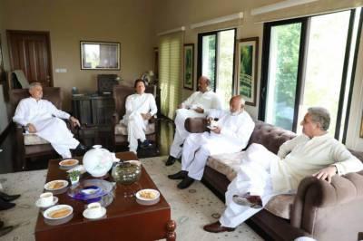 پیپلز پارٹی کے سینئر رہنما ندیم افضل چن کی عمران خان سے بنی گالہ میں ملاقات,سینئر رہنما بھی موجود