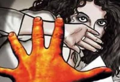 کراچی:زیادتی کے بعد 19 سالہ لڑکی کا کلہاڑے کے وار سے قتل