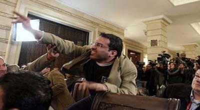 عراق:بش پر جوتا پھینکنے والا صحافی پارلیمانی انتخابات کا امیدوار