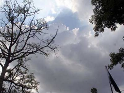 لاہور سمیت پنجاب کے مختلف شہروں میں بارش، ٹھنڈی ہوائیں چلنے کے بعد موسم خوشگوار