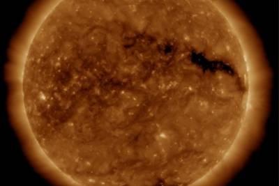 سورج میں سوراخ,شمسی طوفان کا خطرہ
