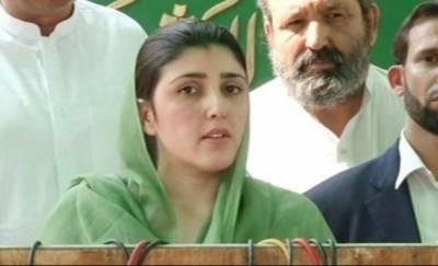 عمران خان 63،62 پر پورے نہیں اترتے،پاکستانی خواتین ریہام خان کی مدد کریں :عائشہ گلالئی