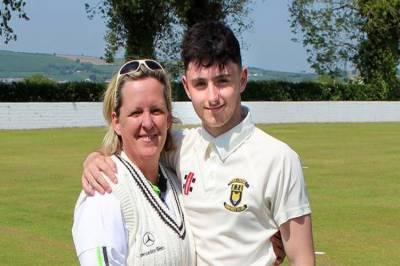 آئرلینڈ میں کرکٹ میچ کے دوران ماں،بیٹا آمنے سامنے آگئے