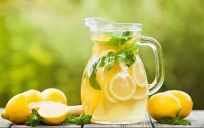 لیموں پانی،مدافعتی نظام تیز کرتا ہے، جلد بھی پرکشش رہتی ہے
