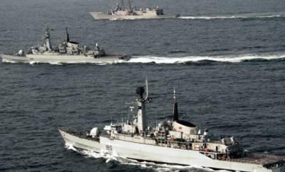 پاک بحریہ کا کھلے سمندرمیں آپریشن، ایرانی کشتی کے عملے کے 11 افراد کو بچا لیا