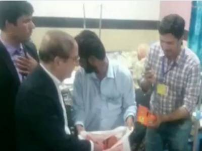نگران وزیر اعلیٰ پنجاب حسن عسکری نے شہباز شریف کا انداز اپنایا اور ہسپتالوں کے دورے شروع کر دیئے