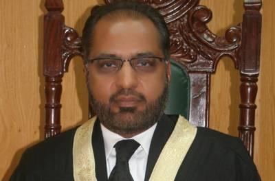 چیف جسٹس کو کوئی حق نہیں کہ کھلی عدالت میں ججز کی تضحیک کریں:جسٹس شوکت عزیز صدیقی