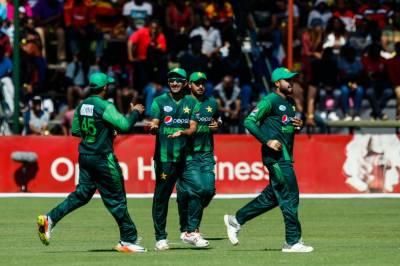 ہرارے:سہ ملکی ٹی 20 سیریز کے پانچویں میچ میں پاکستان نے آسٹریلیا کو 45 رنز سے شکست دیدی