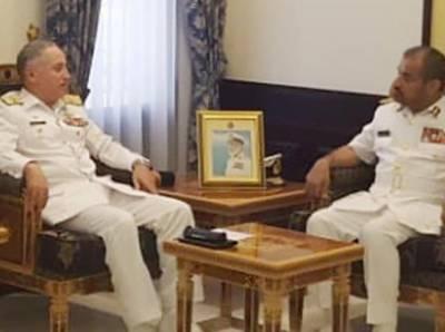 پاک بحریہ کے سربراہ ایڈمرل ظفر محمود عباسی کا عمان کا دورہ ، رائل نیوی آف عمان کے سربراہ سے ملاقات