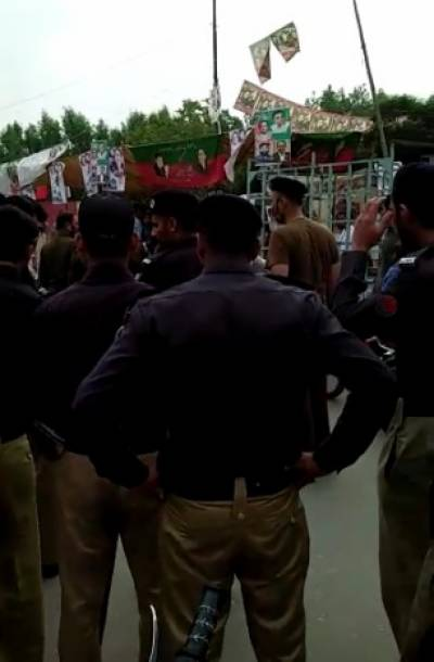 فیصل آباد:این اے 107 میں پی ٹی آئی کا انتخابی کیمپ لگانے پر جھگڑا