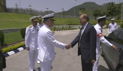 وزیرِدفاع لیفٹیننٹ جنرل (ریٹائرڈ) نعیم خالد لودھی کی نیول ہیڈکوارٹرز آمد، سربراہ ایڈمرل ظفر محمود عباسی سے ملاقات