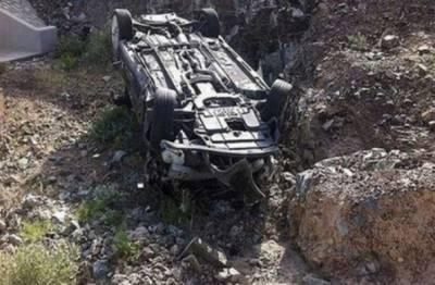 وادی نیلم :مسافر وین کھائی میں جا گری، 3 افراد جاں بحق، 12 زخمی