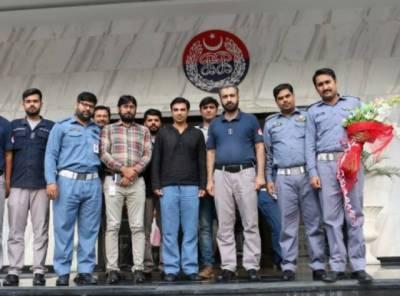 پاکستان کرکٹ ٹیم کے سابق کپتان سلمان بٹ کی پنجاب سیف سٹیز اتھارٹی آمد, مختلف شعبہ جات کا دورہ