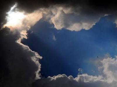 ملک میں بادلوں اور سورج کے درمیان آنکھ مچولی کا سلسلہ جاری