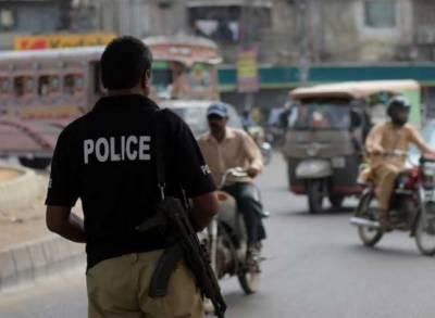 کراچی:فائرنگ سے پولیس اہلکار جاں بحق، شہری زخمی