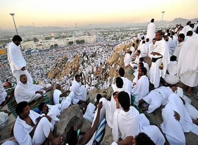 حج کا رکن اعظم وقوف عرفہ کے لیے عازمین کی میدان عرفات آمد