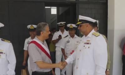 پاک بحریہ کے جہاز پی این ایس اصلت کاتیونس کی بندرگاہ کا دورہ