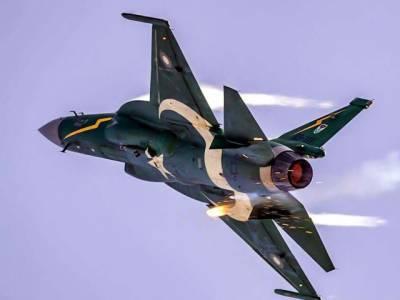 پولینڈ: پاک فضائیہ کے JF-17 تھنڈر طیارے کی پولش ائیر شو میں دھوم
