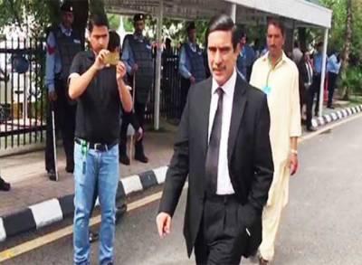 العزیزیہ ریفرنس: خواجہ حارث کا احتساب عدالت پر ٹمپرنگ کا الزام،عدالت چھوڑ کر چلے گئے