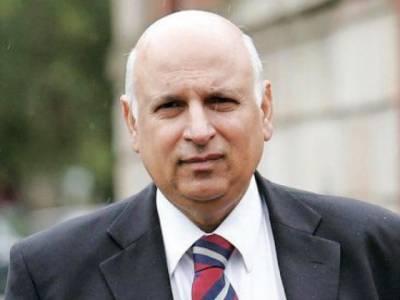 گورنر چوہدری محمد سرور نے گورنر ہائوس لاہور میں اپنے عہدے کا حلف اٹھایا