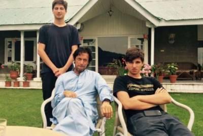 وزیراعظم عمران خان کے صاحبزادے پاکستان پہنچ گئے