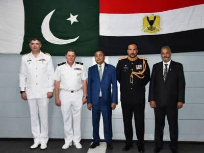 پاک بحریہ کے جہازپی این ایس سیف کا مصر کی بندرگاہ الیگزینڈریاکا دورہ