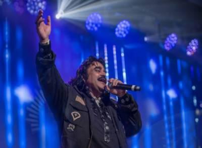 لوک گلوکار عارف لوہار کو برطانیہ میں لائف ٹائم اچیومنٹ ایوارڈ سے نوازدیا گیا