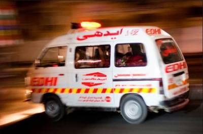 خضدار:کوچ اور ٹرک میں تصادم ، 7 افراد جاں بحق، 19 زخمی