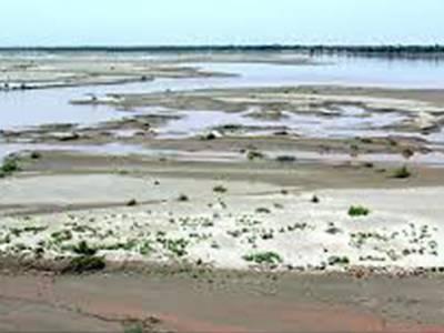 ہیڈمرالہ کے مقام پر دریائے چناب کے پانی کی آمد صرف گیارہ ہزار چھ سو چھتیس کیوسک رہ گئی