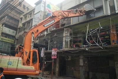 لاہور: شاہ عالم مارکیٹ میں پانچویں روز بھی آپریشن، متعدد پختہ تعمیرات مسمار