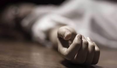 लाहौर:घर आए दो दोस्तों ने नौजवान और इस के कम-सिन मुलाज़िम को क़तल कर दिया