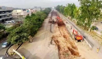 پشاور میٹرو کا منصوبہ مکمل ہونے سے پہلے ہی ٹوٹ پھوٹ کا شکارہو گیا