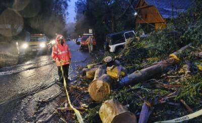 کیلیفورنیا میں برفانی طوفان نے نظام زندگی درہم برہم کردیا