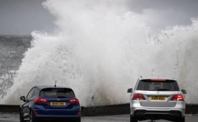 برطانیہ میں طوفان'' ایرک'' نے تباہی مچا دی،2افراد ہلاک،متعدد زخمی
