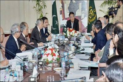 وزیر خزانہ اسد عمر آج اقتصادی رابطہ کمیٹی کے اجلاس کی صدارت کریں گے
