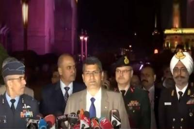 بھارتی مسلح افواج کے حکام صحافیوں کو پاکستان پر حملے کا ثبوت نہ دے سکے