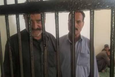 کراچی: ساحل سمندر پر پولیس کی مبینہ غنڈه گردی، 4 اہلکار معطل،3 گرفتار