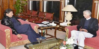 وزیر دفاع پرویز خٹک کی وزیراعظم سے ملاقات،باہمی دلچسپی کے امور پر تبادلہ خیال
