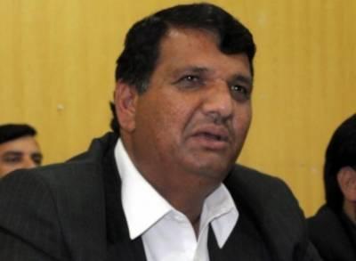 پشاور ہائیکورٹ نے نیب کو امیر مقام کے بغیر وارنٹ گرفتاری سے روک دیا