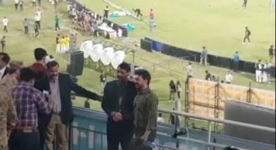 ترجمان پاک فوج کا نیشنل کرکٹ اسٹیڈیم کراچی کا دورہ