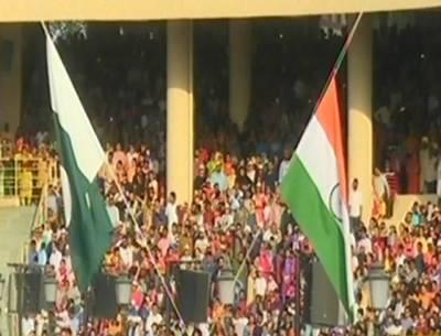 واہگہ بارڈر پر پرچم اتارنے کی پروقار تقریب، فضا میں 'اللہ اکبر' کی گونج