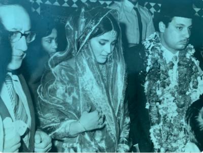 نواز شریف اور ان کی مرحومہ اہلیہ کی شادی کو 48برس بیت گئے، مریم نواز نے نواز شریف اور بیگم کلثوم نواز کی شادی کے موقع پر لی گئی تصویر شیئر کردی