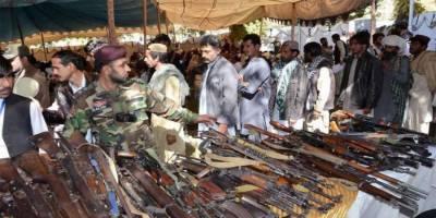بلوچستان: 50 فراری ہتھیار ڈال کر قومی دھارے میں شامل